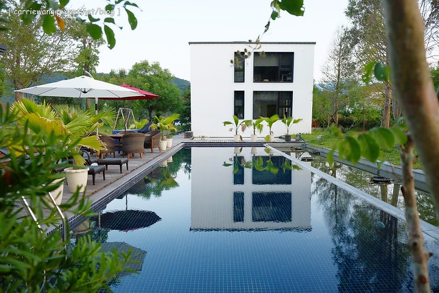 冬山.悠悅光 Aura Villa:超具時尚感的民宿,有庭園游泳池,包棟還可以BBQ,偶像劇《致 第三者》和《搶救21克拉》的拍攝地 @飛天璇的口袋