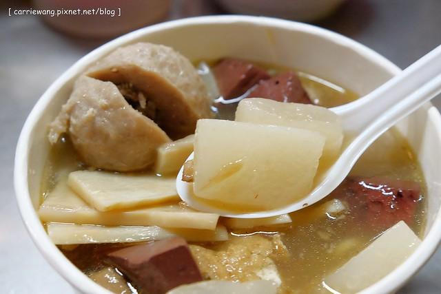 豐原彭媽綜合麵:豐原第一市場內巷弄美食,超過20個年頭料多味美銅板小吃 @飛天璇的口袋