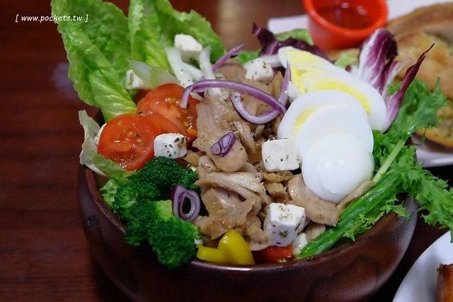 穅村早午餐:沙拉盤豐盛又美味,蜜糖吐司價格親民CP值高 @飛天璇的口袋