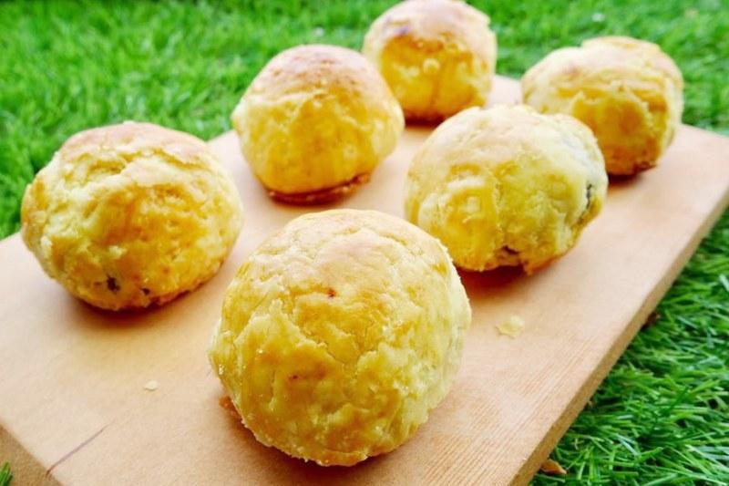 三美珍餅行:海線爆紅菠蘿蛋黃酥,臉書社團開放預購 @飛天璇的口袋