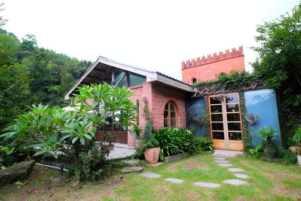 漫步雲端森林廚房:位於苗栗三義山城的森林城堡,享受半自助式百匯料理,還有大片草原可以遛小孩 @飛天璇的口袋