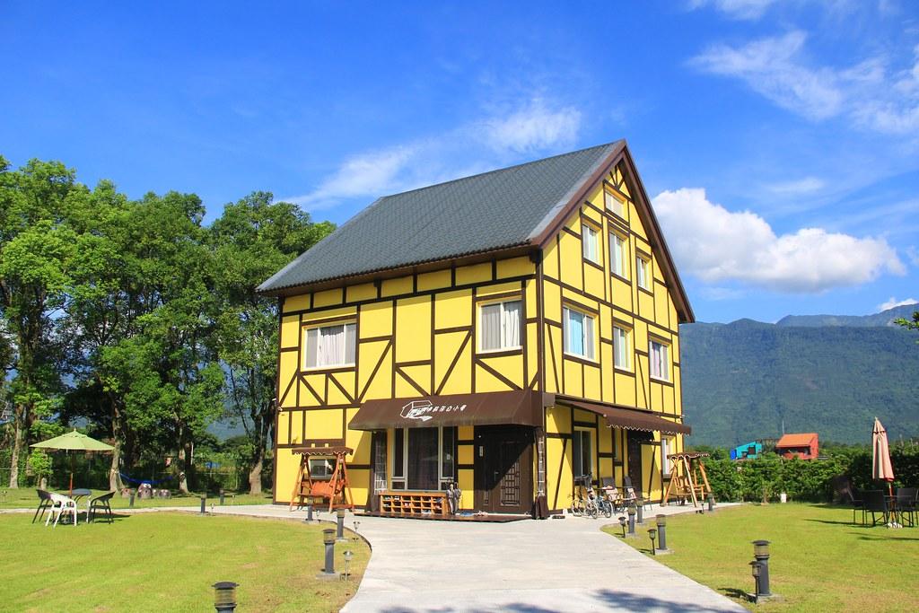 伊莉莎白小屋:位於花蓮壽豐鄉的歐式建築民宿,房間溫馨可愛還有前庭草皮 @飛天璇的口袋
