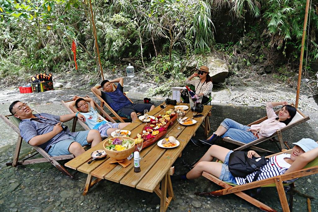 【花蓮旅遊】溪畔餐桌:秘境豪華BBQ野炊體驗,專人野溪搭帳篷帶溯溪,花蓮超浮誇溪邊下午茶 @飛天璇的口袋