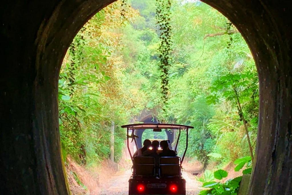 三義舊鐵道自行車Rail Bike:最美莫過C路線,一覽6號隧道、鯉魚潭和龍騰斷橋美景! @飛天璇的口袋