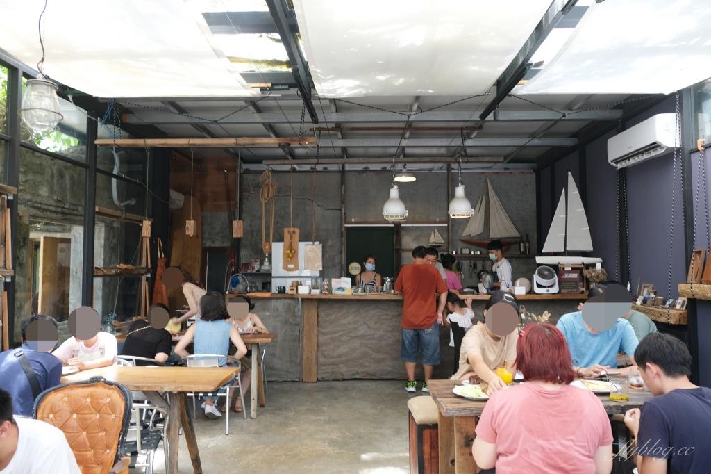 樹夏飲事:老鳳凰樹下的廢墟改建咖啡館,Big 7 Travel 台灣最棒25間咖啡廳之一 @飛天璇的口袋