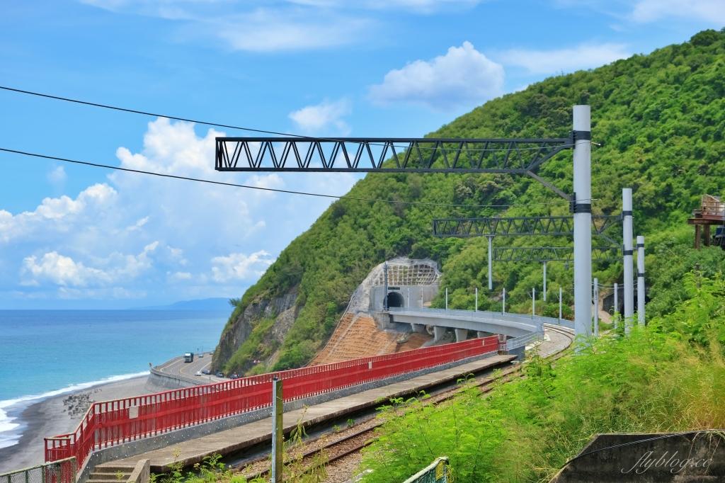 【台東太麻里】多良車站:全台灣最美的火車站,月台上直接眺望無敵海景 @飛天璇的口袋