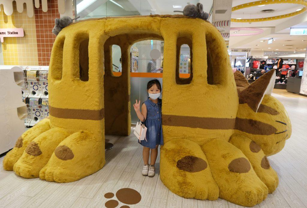 【台中西屯】  橡子共和國:龍貓到台中囉!可愛貓巴士停靠台中 x 吉卜力工作室周邊商品 @飛天璇的口袋