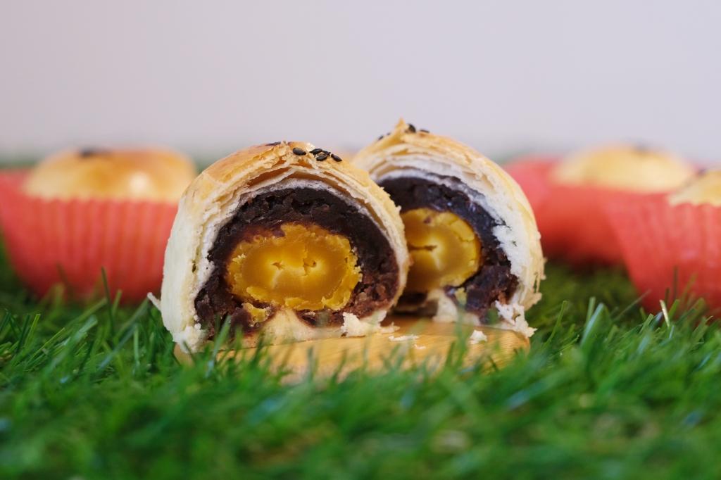 【台中神岡】榮泉蛋黃酥:網友推薦的傳統蛋黃酥,傳承40年的古早味餅店 @飛天璇的口袋