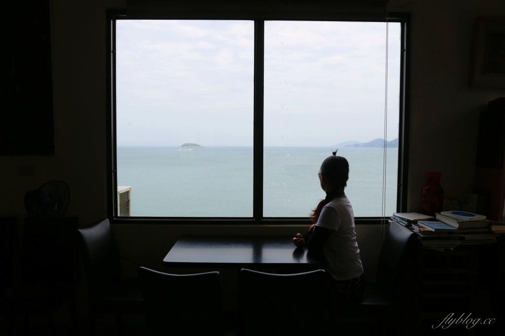 刺鳥咖啡書局:廢棄坑道變書香咖啡館,座擁無敵海景的IG打卡點 @飛天璇的口袋