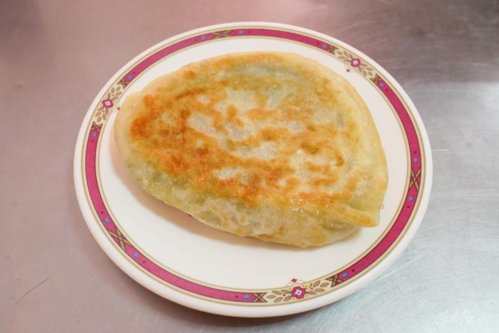 【台中東區】  力行早點:台中傳統早餐~現擀手工麵皮蛋餅x金黃爆量韭菜盒子 @飛天璇的口袋