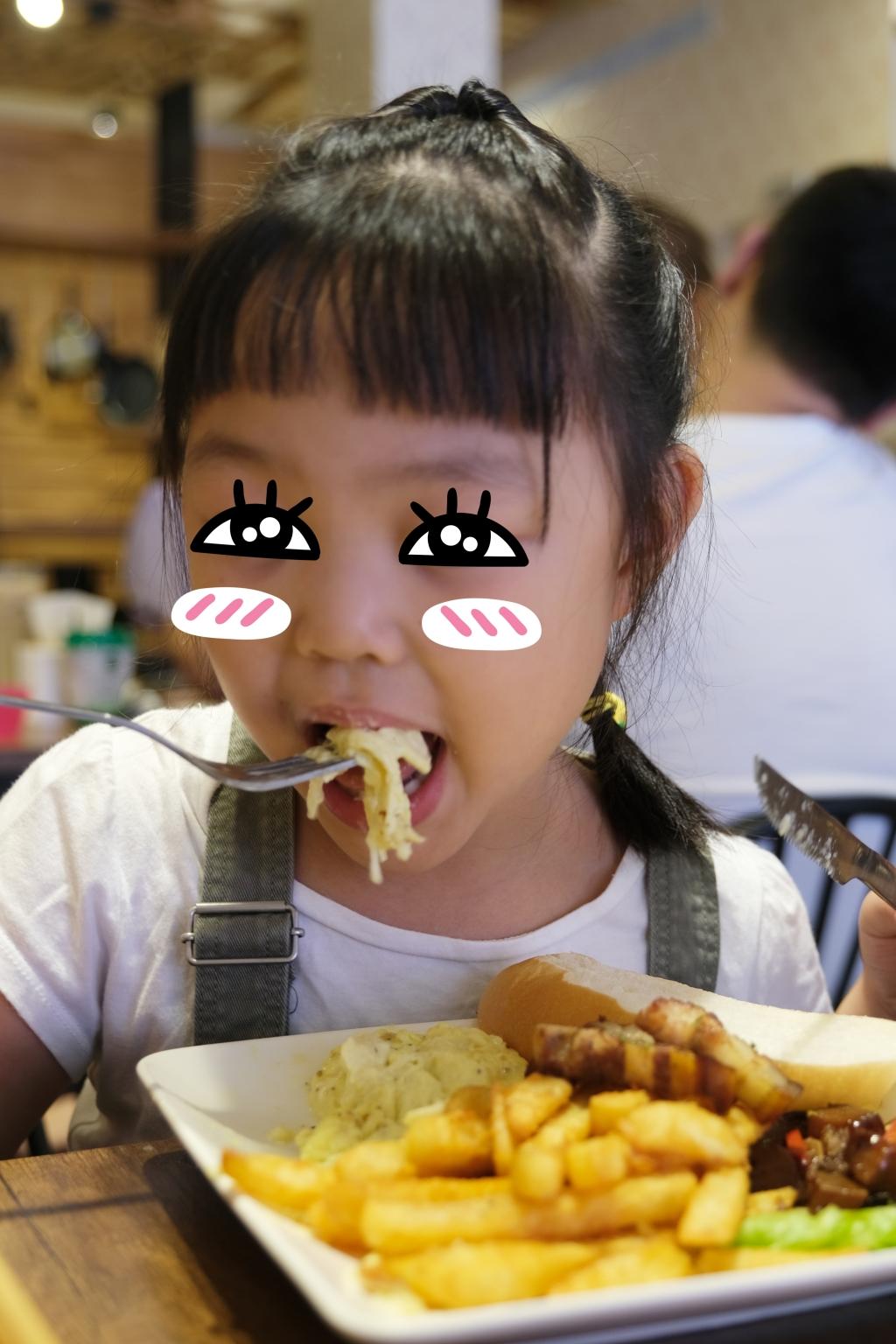 【彰化鹿港】 鹿港巴特早午餐:超大份量的早午餐,假日客人總是滿滿滿 @飛天璇的口袋