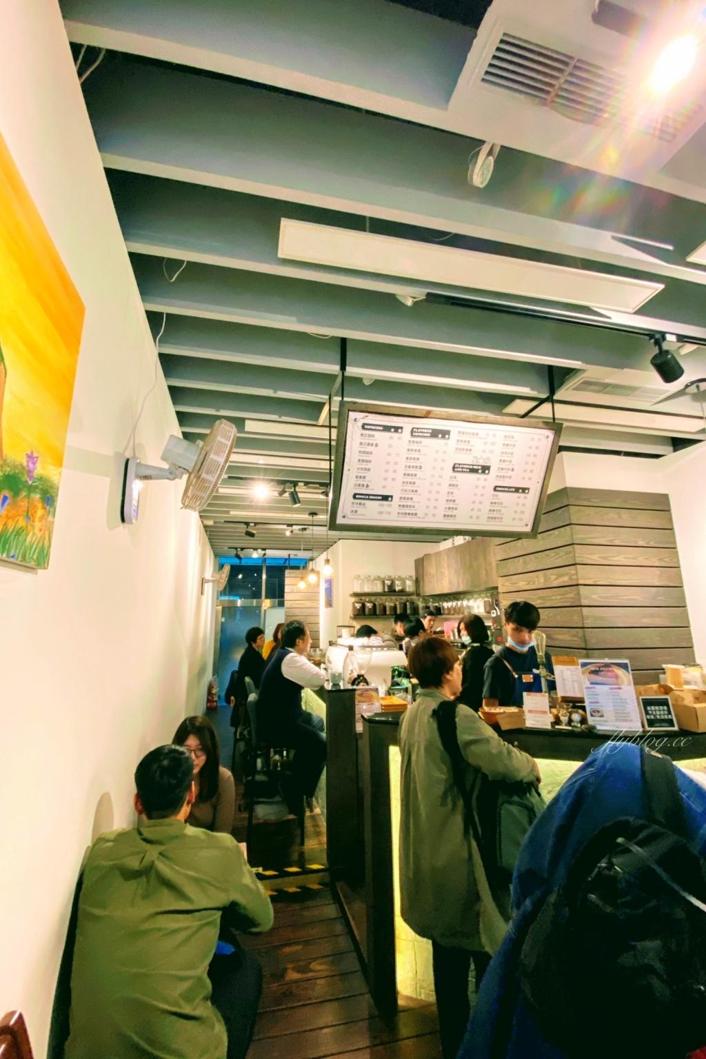 【台北大同】Twin Brothers Coffee:華陰街雙胞胎兄弟咖啡,超人氣的肉桂捲好吃!! @飛天璇的口袋