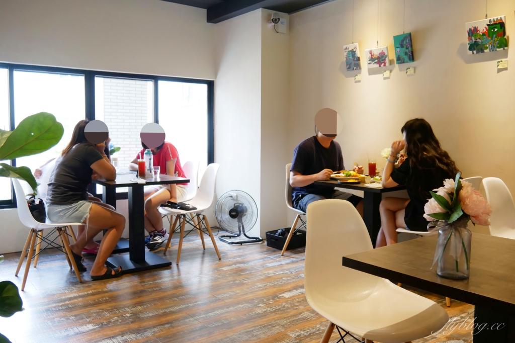 【台中北屯】找晨手作輕食料理。北屯店:座落於公園旁的早午餐店,座擁窗前大片綠地美景 @飛天璇的口袋