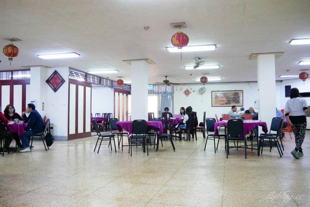 【台中南屯】黎明福利餐廳:位於南屯黎明新村內的40年老字號眷村家常菜,環境很樸實卻是很多人從小吃到大的好味道 @飛天璇的口袋