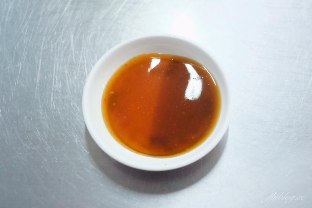 【嘉義東區】王家祖傳本產牛雜湯:東市場超人氣小吃美食,早上6點開賣就熱騰騰的開賣 @飛天璇的口袋