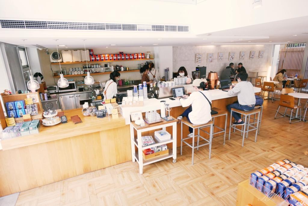 【台中西區】 The Factory Mojocoffee:台灣最棒的25間咖啡廳台中第一名,座落於精明商圈巷弄裡的純白建築 @飛天璇的口袋