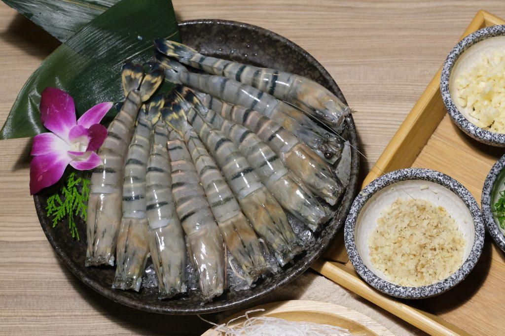 【食譜分享】鮮蝦粉絲煲:簡單易做的居家料理,好吃又下飯宴客也有面子 @飛天璇的口袋