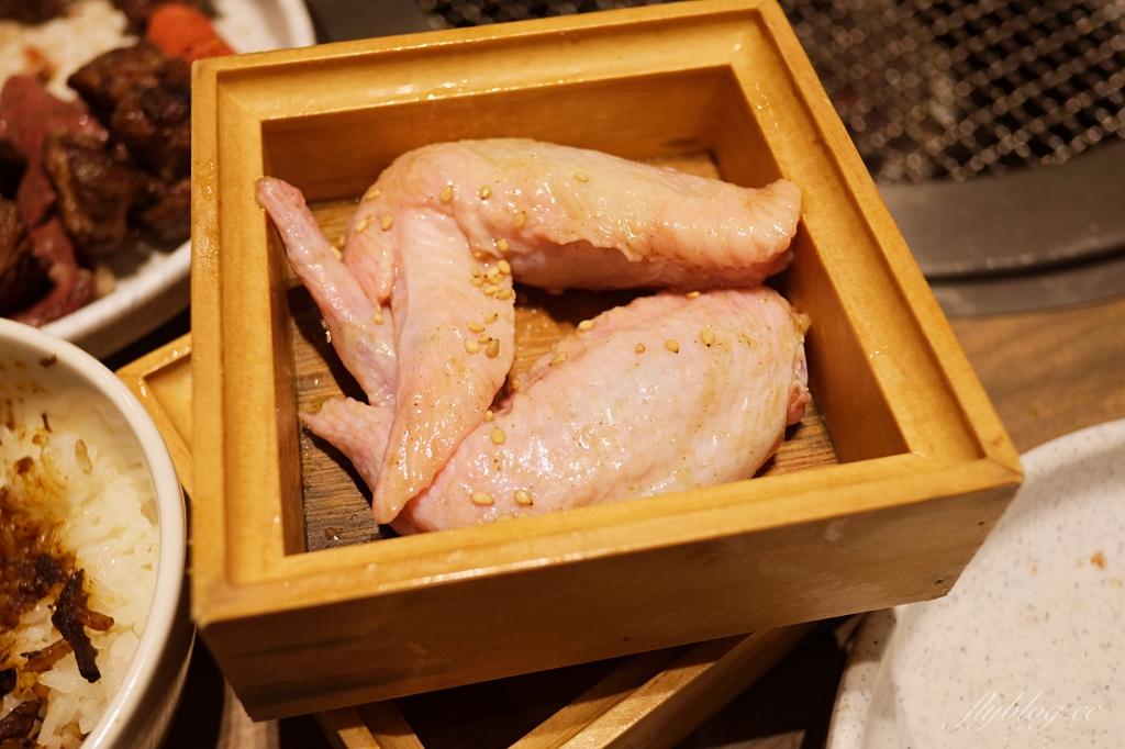 【台中北屯】 本格和牛燒肉放題:588元吃到飽築間燒肉品牌,超過80種食材還可以火烤兩吃 @飛天璇的口袋