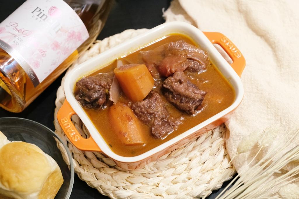 【食譜分享】紅酒燉牛肉:家庭主婦最輕易上手的法式料理,紅酒燉牛肉食譜超簡單 @飛天璇的口袋