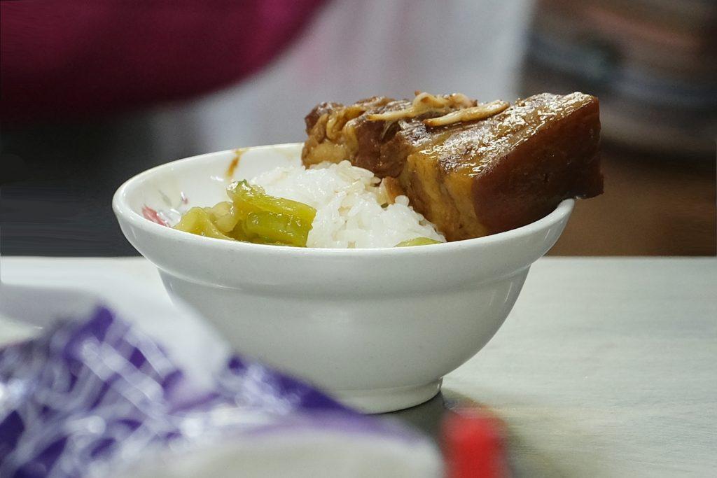 李海魯肉飯:第二市場在地超過60年,夜貓子最愛的宵夜美食 @飛天璇的口袋