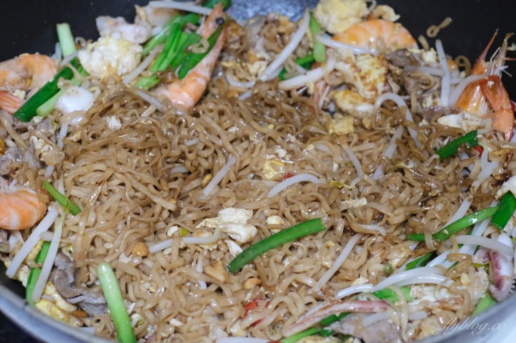 【食譜分享】泰國炒泡麵:泰國必買的媽媽麵,一包不到10元煮一餐 @飛天璇的口袋