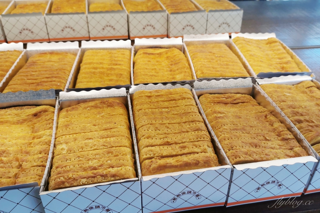 【台北士林】百合麵包園:據說是台北人才知道的老店,起酥蛋糕是超人氣鎮店之寶 @飛天璇的口袋
