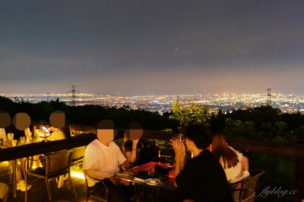 台中沙鹿|Mitaka 3e Cafe 沙鹿龍貓主題景觀餐廳,欣賞台中百萬夜景 @飛天璇的口袋