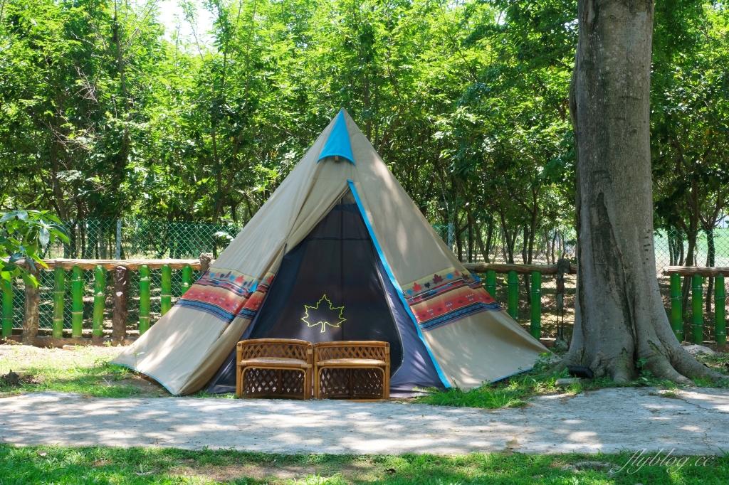 【桃園平鎮】HAKKAFE'哈嘎廢:前庭大片綠草地露營帳篷,現代化客家風咖啡館 @飛天璇的口袋