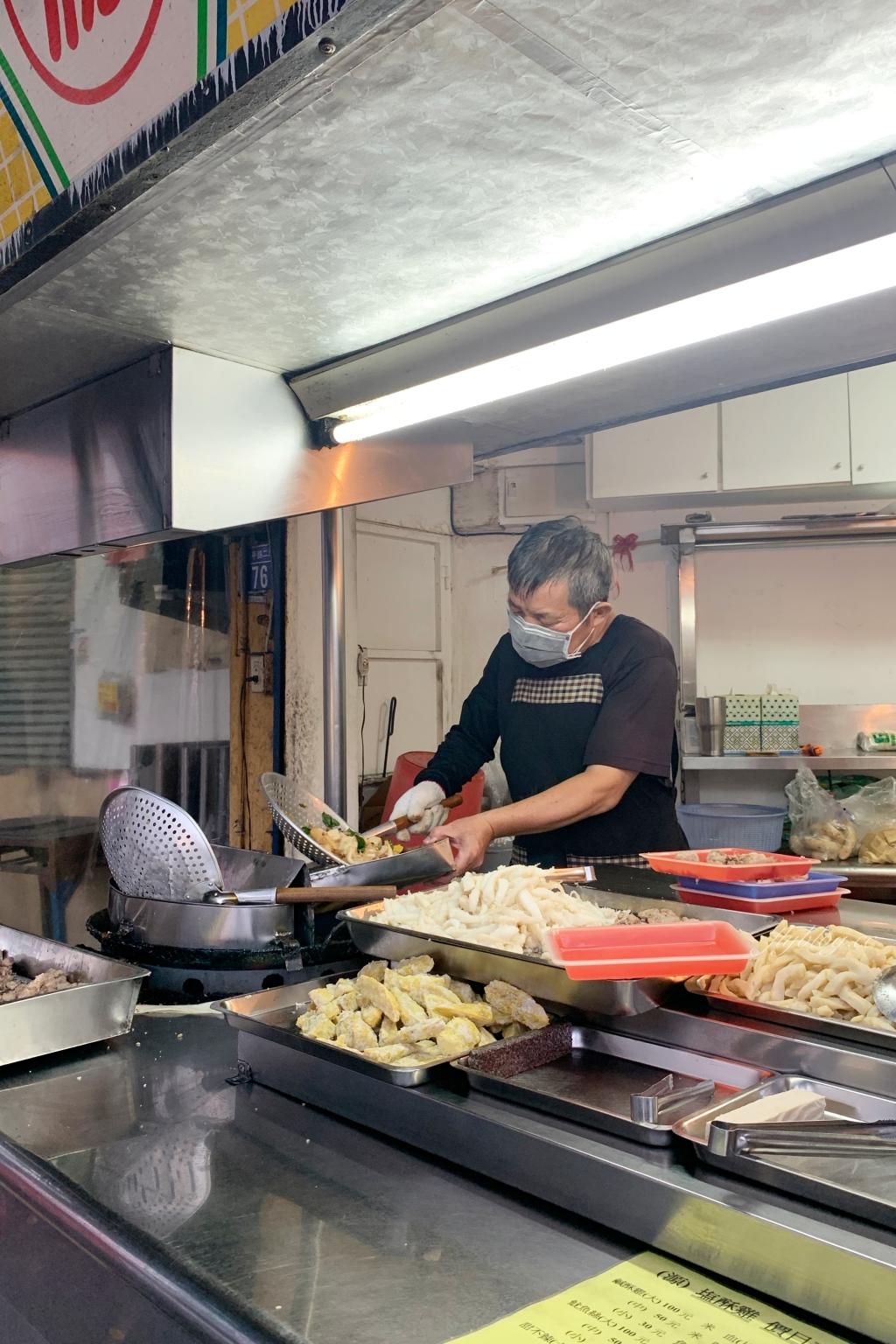 【台中北屯】源鹹酥雞:昌平路在地20年的老店,鹽酥雞不油不膩CP值高 @飛天璇的口袋