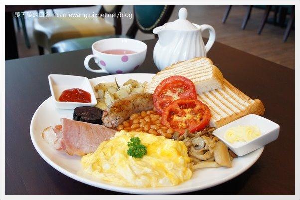 【台中西區】Soft Metal.軟鐵英式餐廳。在古典英倫風餐廳享受道地的英式早午餐和下午茶… @飛天璇的口袋