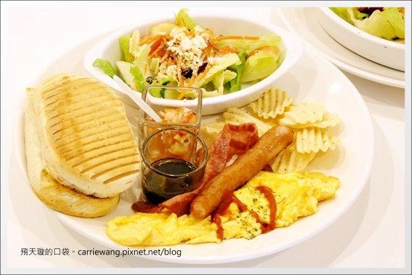 【台中早午餐】Esme 艾斯米咖啡館.輕食.下午茶。價格合理,品質也不錯 @飛天璇的口袋