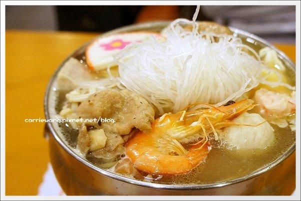 【台中一中商圈】偈亭泡菜鍋。價格便宜、料多爆滿,從學生時代吃到現在 @飛天璇的口袋