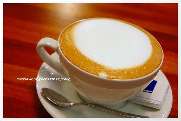 【台中下午茶】Indie Room Café@金典綠園道。環境還不錯,咖啡很好喝… @飛天璇的口袋