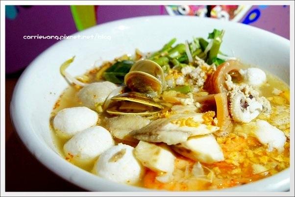 【台中泰式餐廳】How Thai.好泰。How Place姐妹店,裝潢很潮,餐點很平價 @飛天璇的口袋