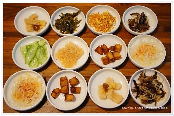 【台中韓式餐廳】豆腐35.TOFU thirty five@文心店。有咖啡館氛圍的韓式餐廳,小菜吃到飽嘛免驚! @飛天璇的口袋
