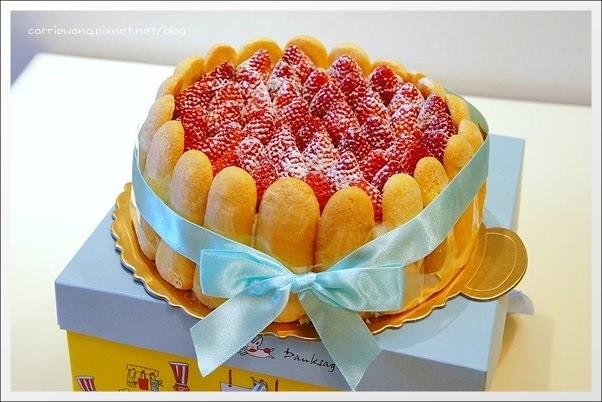 【新竹團購商品】六號花園烘焙坊。季節限定草莓生日蛋糕,清爽好吃大推薦! @飛天璇的口袋
