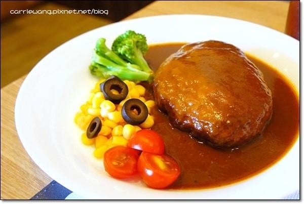 【台中日式餐廳】Demi House 日式洋食屋。日本人開的店,漢堡排好吃唷! @飛天璇的口袋