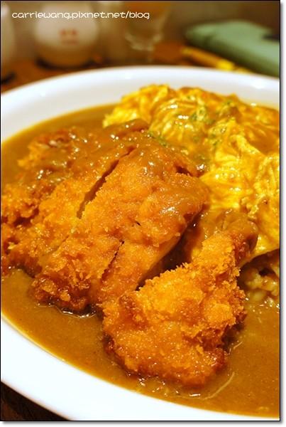 【台中日式餐廳】CoCo壹番屋咖哩@中友百貨B3。日本來開的,好像進步了不少,比預期還美味 @飛天璇的口袋