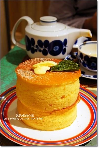 杏桃鬆餅屋 UZNA OMOM:來自日本原宿的8公分蘇芙蕾厚鬆餅,讓女孩子尖叫的幸福口感 @飛天璇的口袋