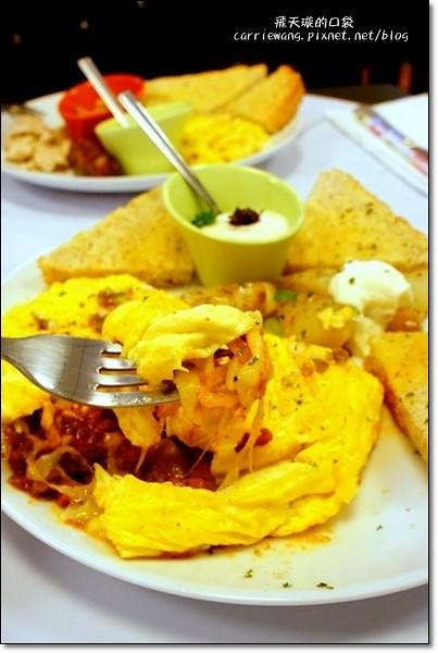 【台中早午餐】鄉村媽媽 Country Mother's。從花蓮來的美式早午餐店,份量澎派,價格實在 @飛天璇的口袋