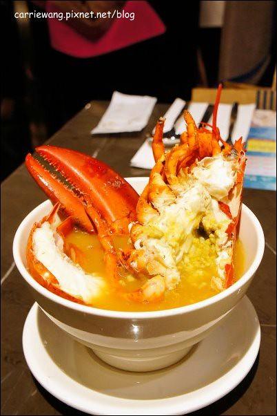 【台中百匯餐廳】金典酒店栢麗廳龍蝦吃到飽。龍蝦吃到飽真的是騙人的,因為我吃到快吐了! @飛天璇的口袋