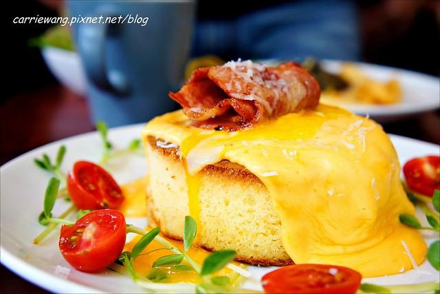 彰化巴特早午餐:挑戰5公分之極限,費時30分鐘才可以完成的厚鬆餅,彰化現在也吃的到了哦! @飛天璇的口袋