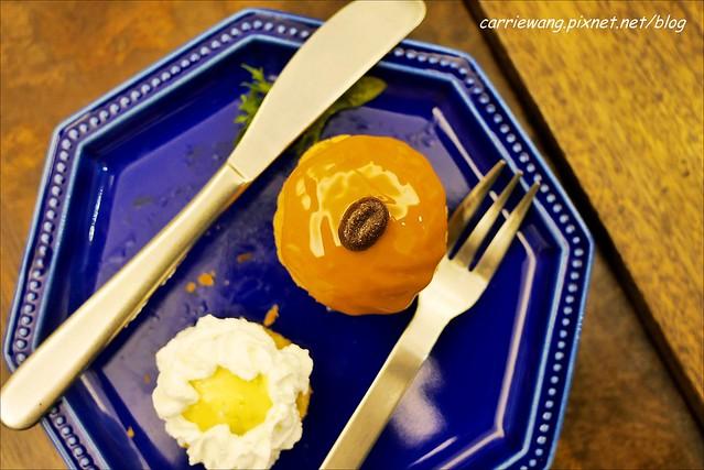 8%ice 甜.鹹點心屋:日式建築裡賣的是法式甜點,超夯的閃電泡芙來襲 @飛天璇的口袋