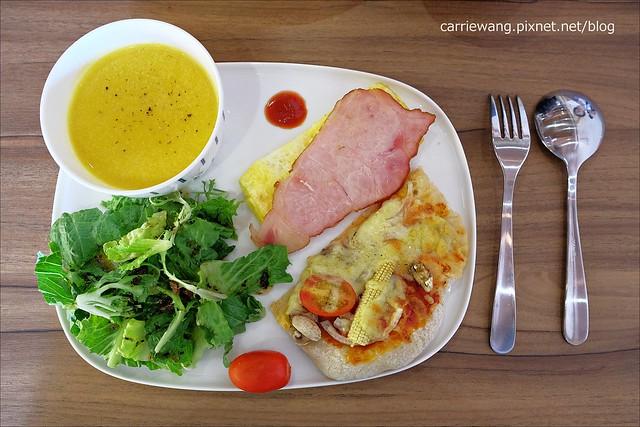 【台中日式餐廳】町家咖啡.Machiya Café。隱藏在市場內的日式咖啡館,刨冰套餐都很好吃,還有手工麵包可以選購 @飛天璇的口袋