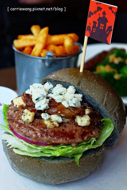 【台中早午餐】7分SO美式廚房.Burger Joint@東海店。萬聖節隱藏版的限定美味,11/2前供應,錯過等明年哦! @飛天璇的口袋