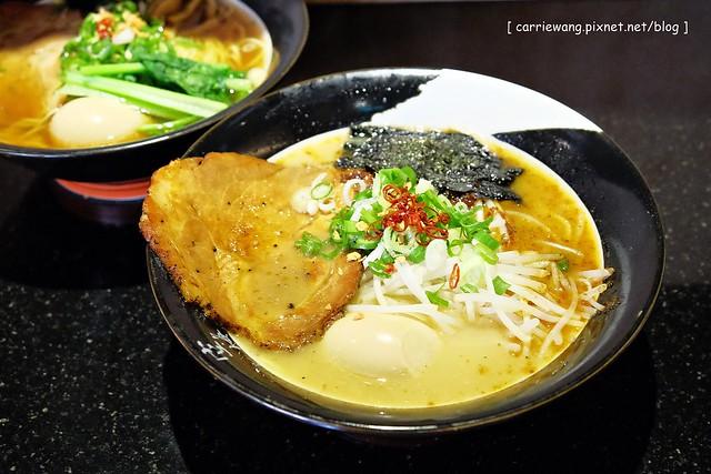 【台中拉麵推薦】空海拉麵台灣一號店。台式以上,日式未滿,不喜歡重油重鹹的拉麵愛好者可以試試 @飛天璇的口袋
