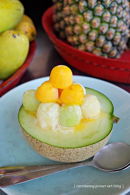 【台南小吃美食】泰成水果店@正興街。傳統冰品店,創意新吃法,終於吃到傳說中的哈蜜瓜瓜冰 @飛天璇的口袋