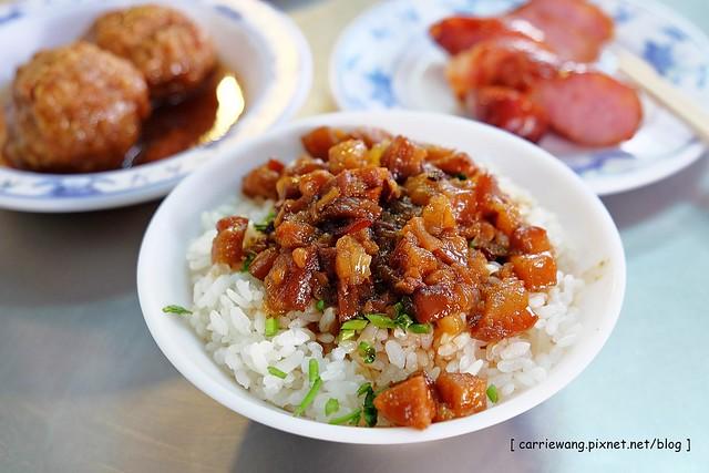 【台南小吃美食】江川肉燥飯。永樂市場經營五十年的老店,每一道都是古早的滋味,國華街的平民美食 @飛天璇的口袋