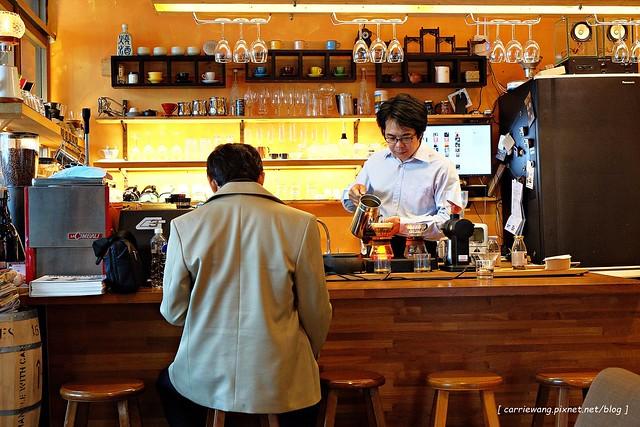 【台中咖啡館推薦】咖啡葉。老闆人稱葉教授,酸咖啡專賣店,沒有華麗的裝潢,只有熟悉的溫度 @飛天璇的口袋
