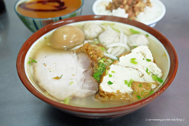 【宜蘭小吃美食】廣興做粿。在地30幾年的老店,平價的美食,草仔粿又Q又香 @飛天璇的口袋